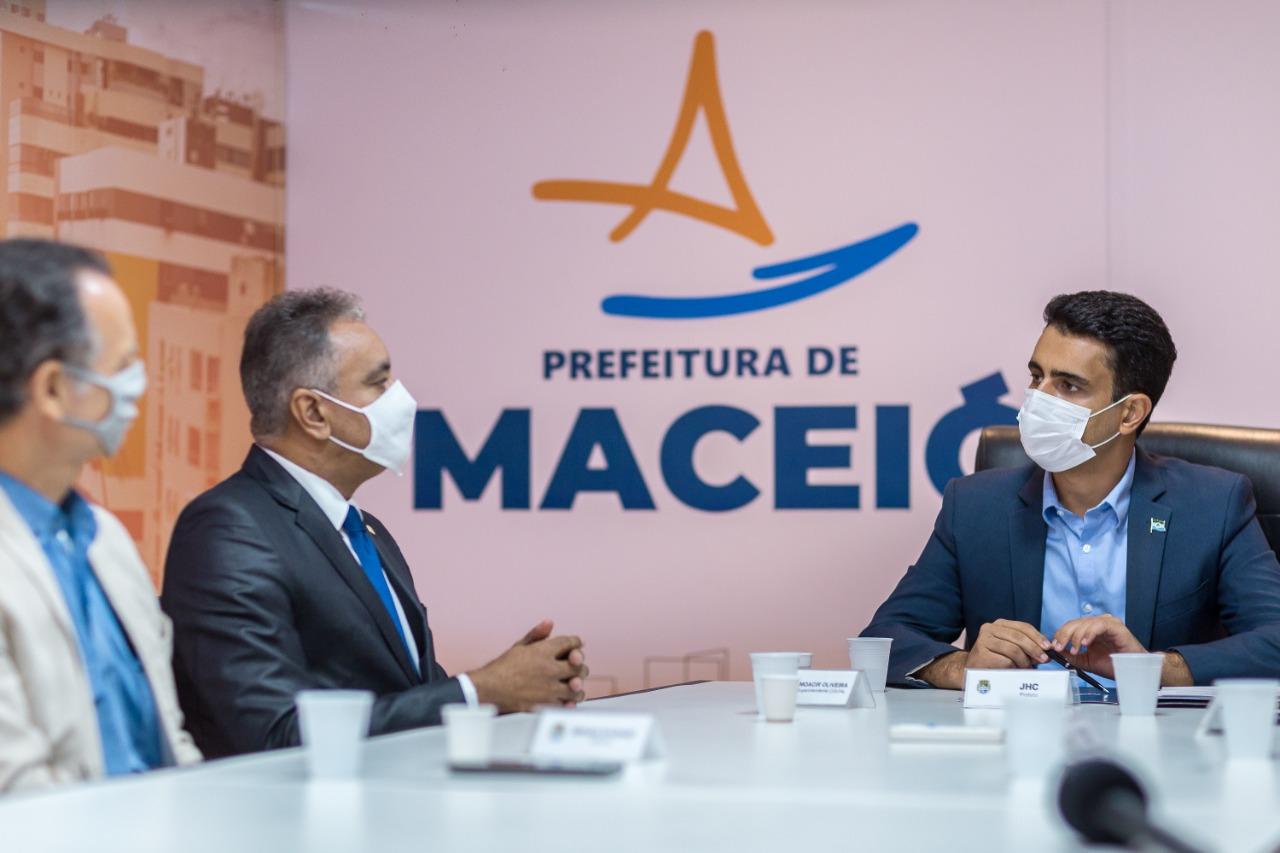 Prefeito JHC adere ao Time Brasil, em parceria com a Controladoria Geral da União (CGU) (Foto: Itawi Albuquerque/ Secom Maceió)